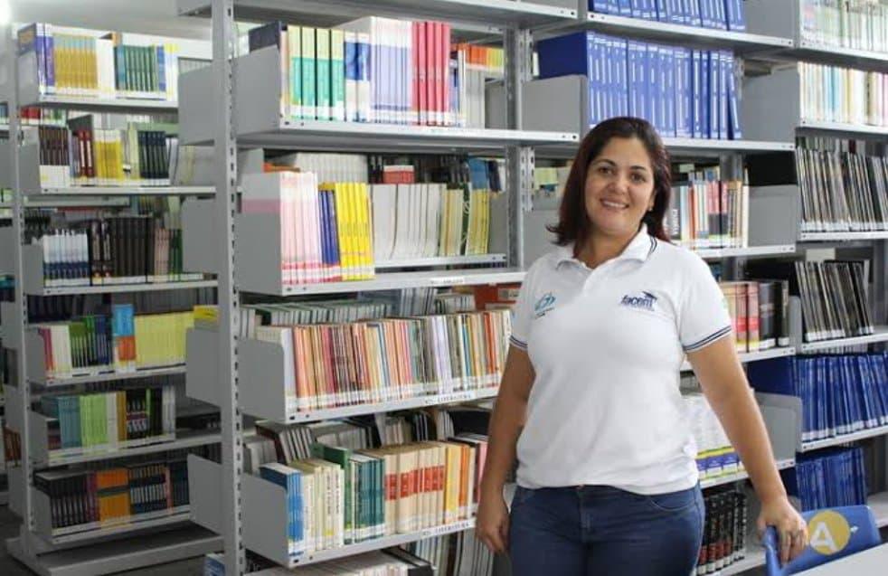 Século Centro Educacional abre vaga para Bibliotecária