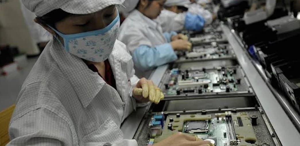 Indústria de eletroeletrônicos abre processo seletivo para o cargo; Alimentador (produção)